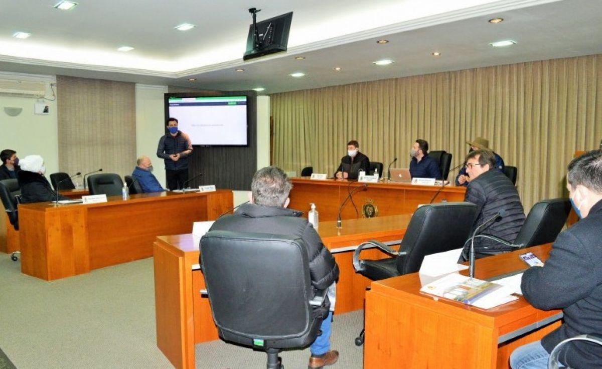Foto Votação Eletrônica - Vereadores de Flores da Cunha iniciam treinamento