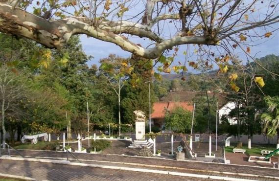 Praça Regional da Uva - Otávio Rocha
