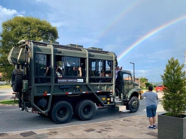 Foto Caminhão Militar fará passeios turísticos durante a FenaVindima 2020