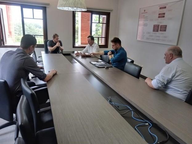 Foto Prefeito participa de reuniões para aprimorar a prevenção ao contágio do coronavírus
