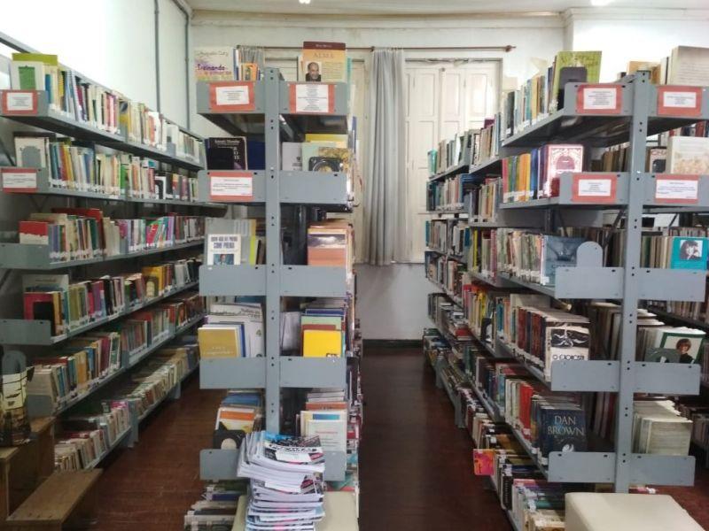 Foto Biblioteca pública estará fechada durante transferência para nova sede