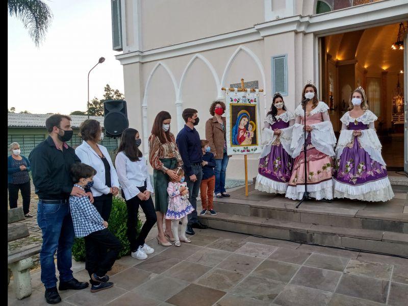 Foto Bênção da Nossa Senhora da Uva reúne fiéis em Flores da Cunha