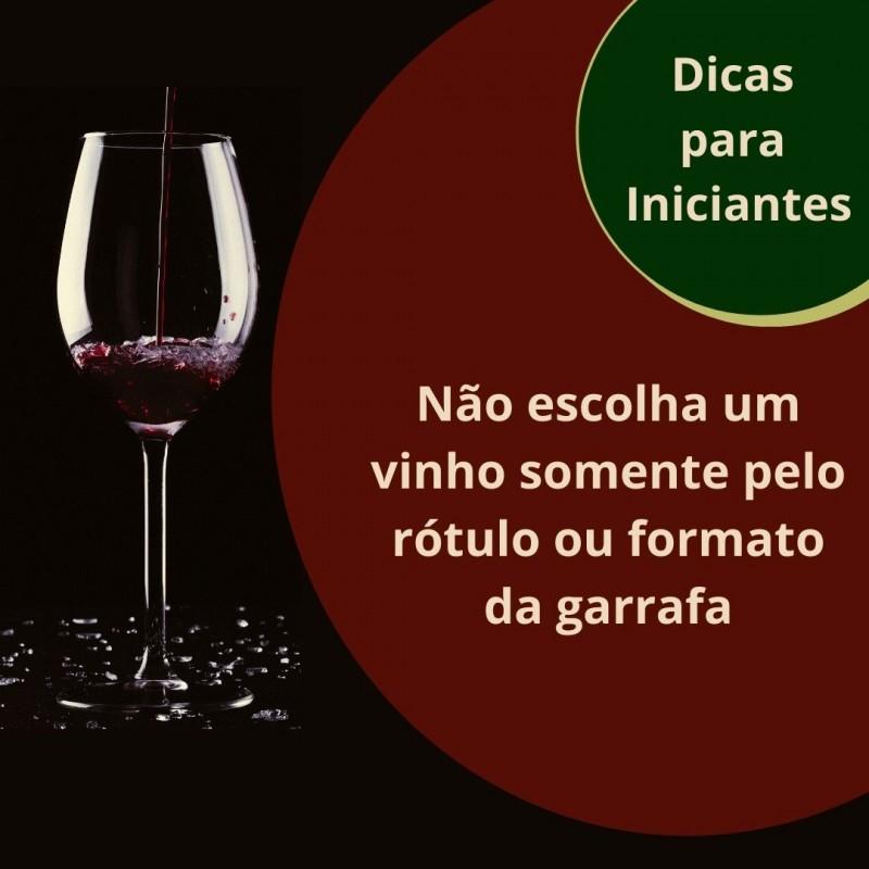 Foto de capa Não escolha um vinho somente pelo rótulo ou pelo formato da garrafa