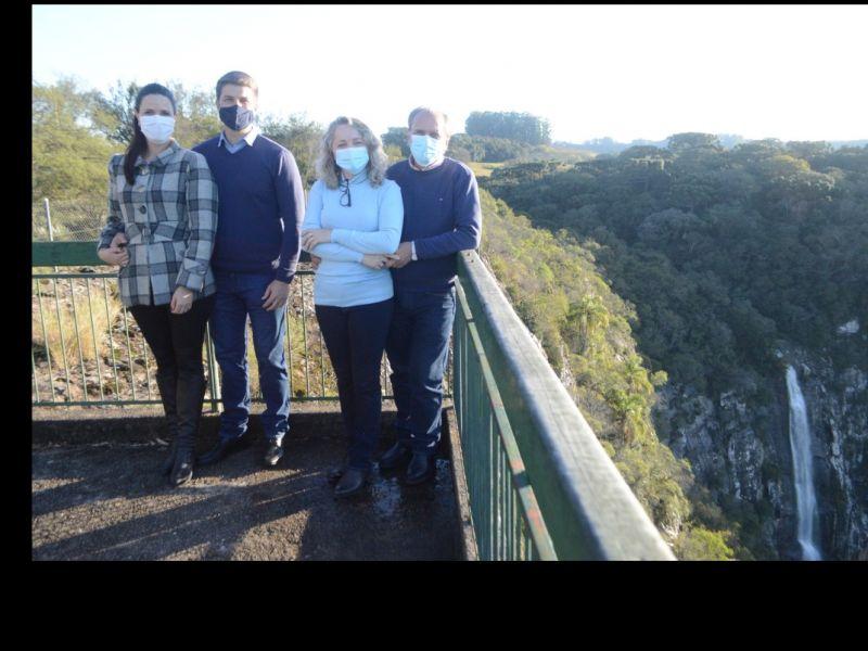 Foto Prefeito e secretário de Turismo participam do Projeto Talian Trip