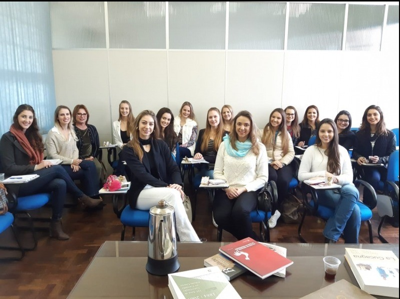 Foto Candidatas a soberanas da FenaVindima participaram de aula sobre a história do município