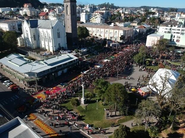 Foto Cerca de 30 mil pessoas participaram das celebrações de Corpus Christi em Flores da Cunha