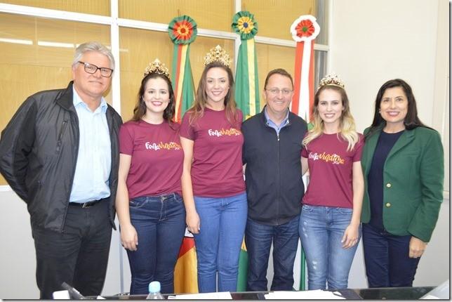 Foto de capa Rainha e Princesas da FenaVindima participaram dos primeiros compromissos nesta segunda-feira, dia 12, em Flores da Cunha