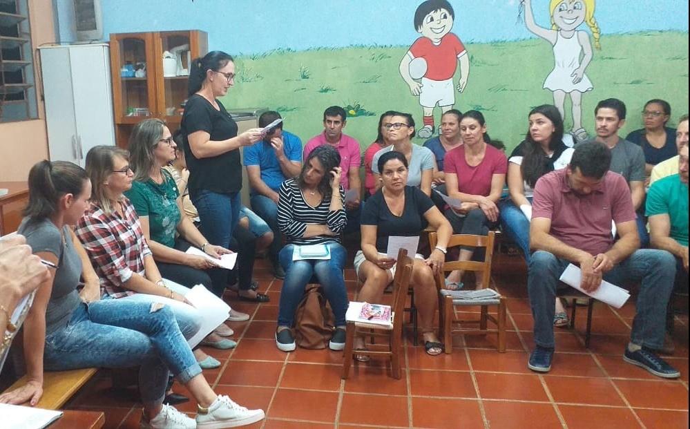 Foto de capa da notícia Reunião com os pais e entrega dos materiais escolares para o ano letivo