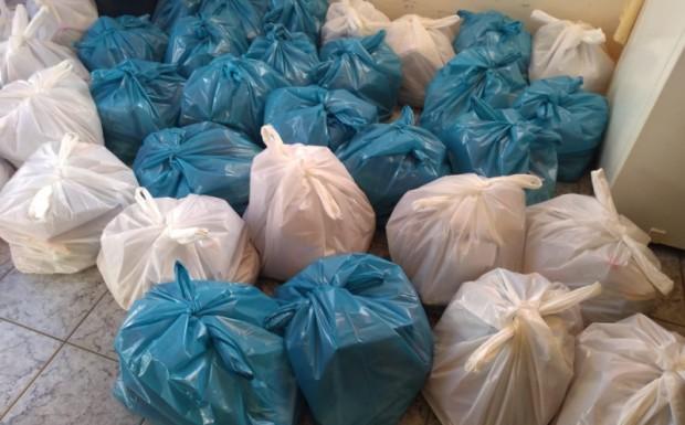 Foto de capa da notícia: Secretaria de Educação realiza a entrega de Kits com produtos da merenda escolar