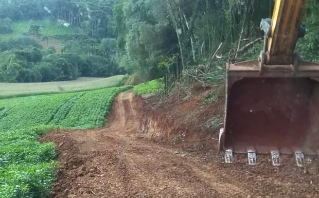 Foto de capa da notícia: Alargamento de estrada na Linha Borges