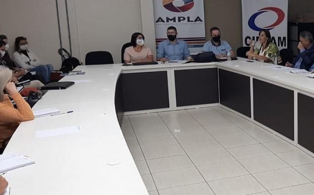 Foto de capa da notícia: Reunião com Secretários de Educação