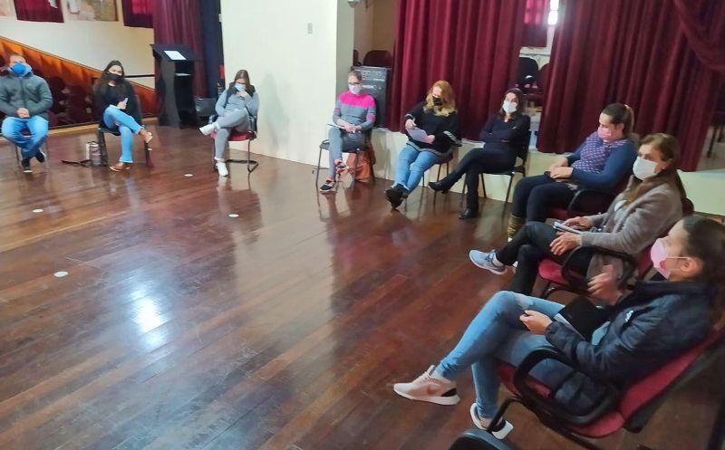 Foto de capa da notícia: REDE SOCIOASSISTENCIAL REALIZOU REUNIÃO DE AVALIAÇÃO