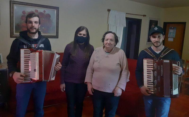 Foto de capa da notícia DIA DOS AVÓS FOI CELEBRADO PELA ASSISTÊNCIA SOCIAL