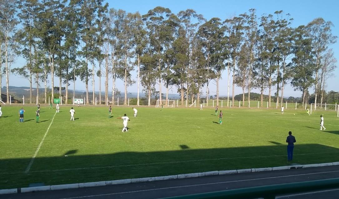 Foto de capa da notícia: Futebol: Show de gols em rodada especial da Divisão de Acesso