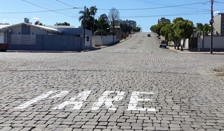 Foto de capa da notícia: Atenção motorista: Rua Pinheiro Machado passa a ser via preferencial