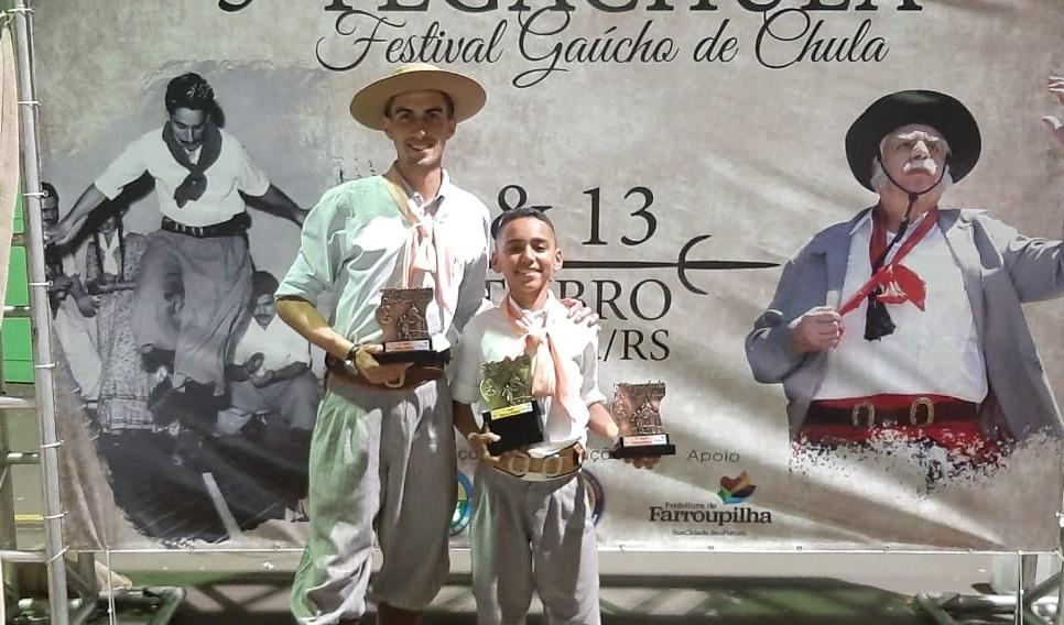 Foto de capa da notícia: Tradicionalismo: Guaporé é campeão do 5º Festival Gaúcho de Chula