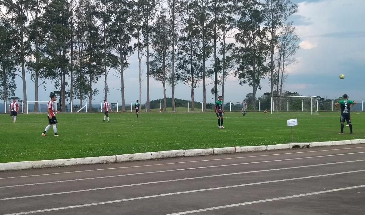 Foto de capa da notícia: Série B: Huachipato estabelece a maior goleada do Municipal de Futebol