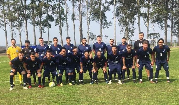 Foto de capa da notícia: Futebol: Cruzeiro vence o Descubra e avança na Divisão de Acesso