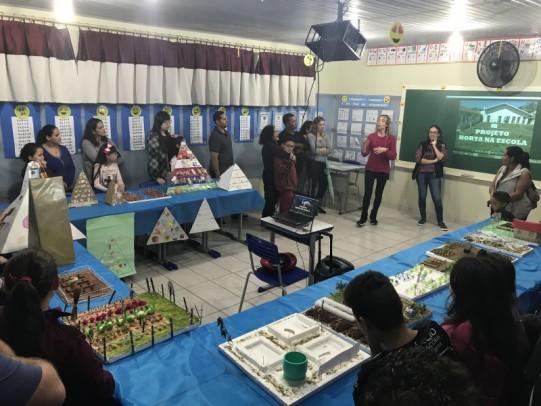 Foto de capa da notícia: Escola Dr. Jairo Brum realiza Encontro de Culminância dos Projetos Escolares