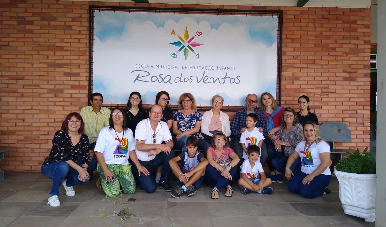 Foto de capa da notícia: Escritor Carlos Rodrigues Brandão visita a Escola Municipal Rosa dos Ventos