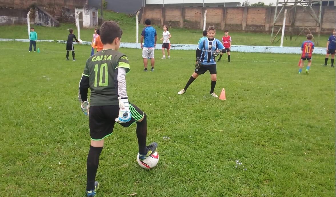 Foto de capa da notícia: Escolinha Municipal de Futebol Guaporé participa do Sport Fest 2019