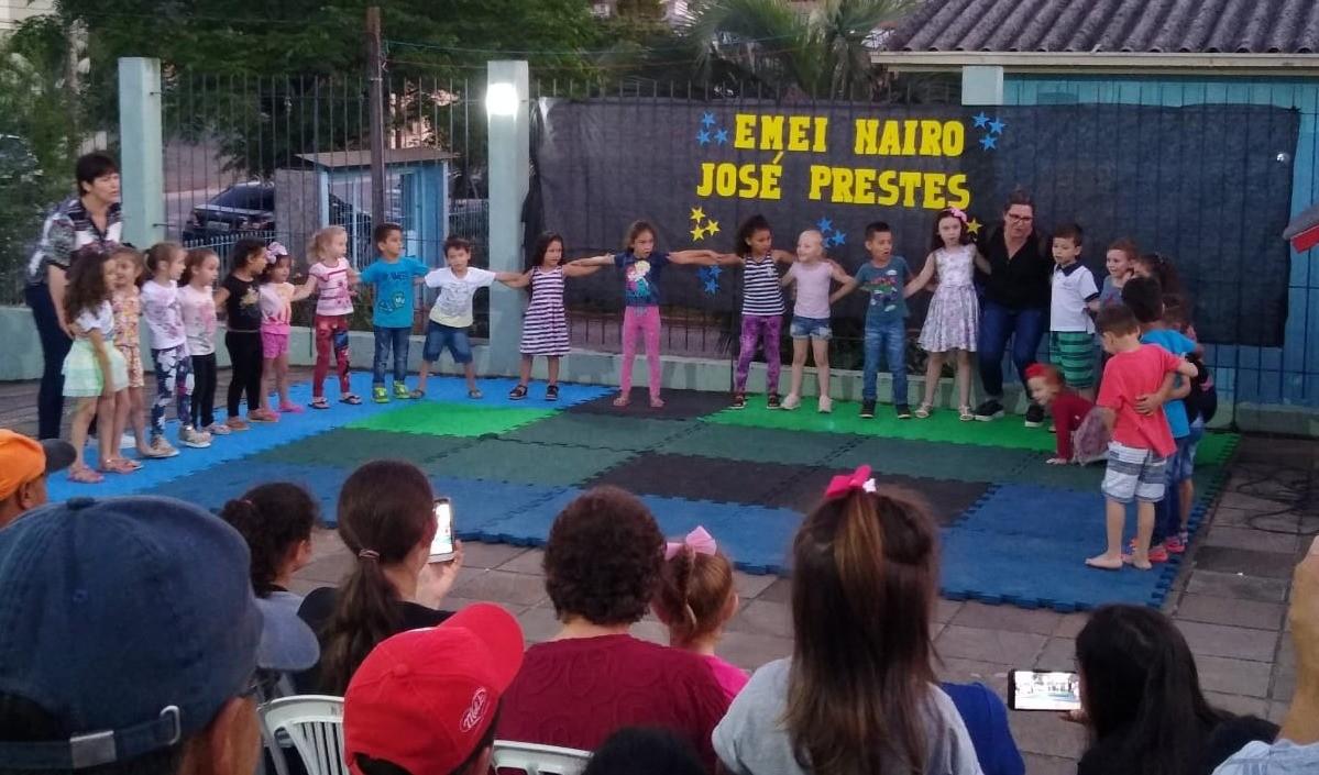 Foto da Notícia Comunidade escolar é protagonista de projeto na Escola Nairo Prestes