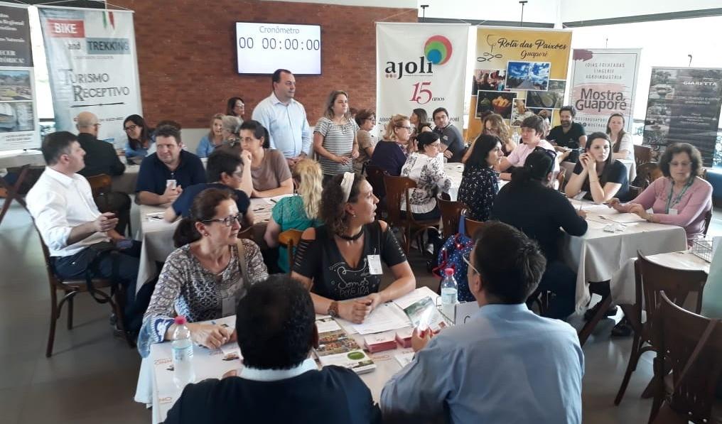 Foto de capa da notícia: 31 guias e agentes de viagem participam do 3º Famtur em Guaporé