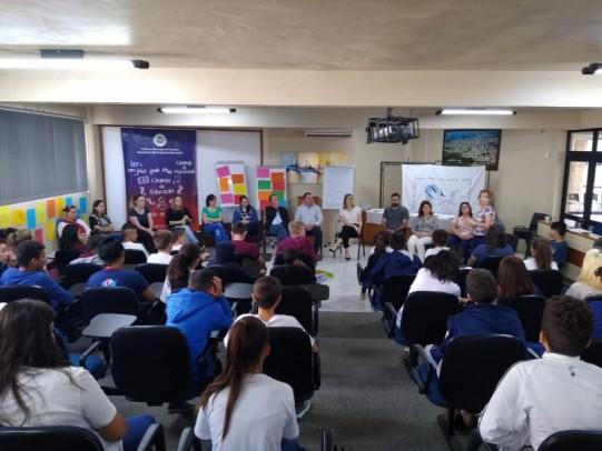 Foto de capa da notícia: Encerramento da primeira etapa da Oficina: Círculos Restaurativos de Diálogo e Resolução Não Violenta de Conflitos
