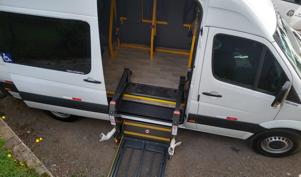 Foto de capa da notícia: Saúde conquista veículo equipado para pacientes que necessitam de acessibilidade