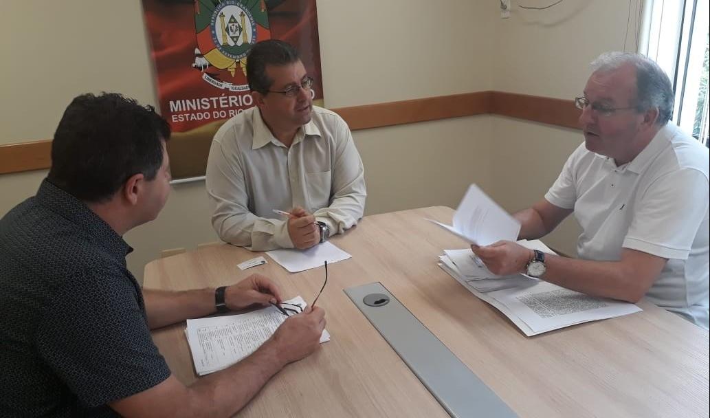 Foto de capa da notícia: Governo Municipal entrega documentação ao Ministério Público buscando soluções para melhor abastecimento de água