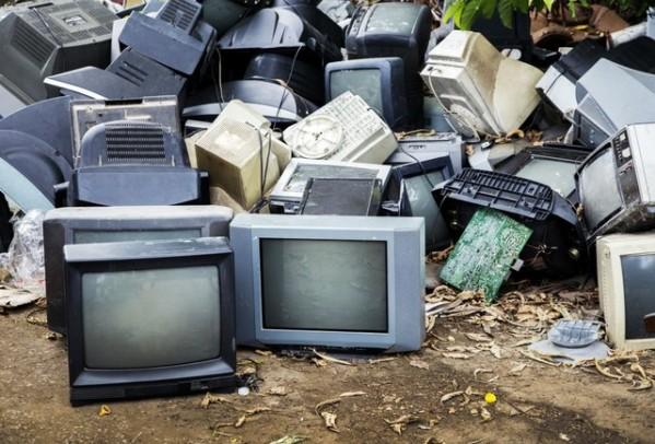 Foto de capa da notícia: É sábado! Secretaria de Meio Ambiente realiza campanha de recolhimento de lixo eletrônico