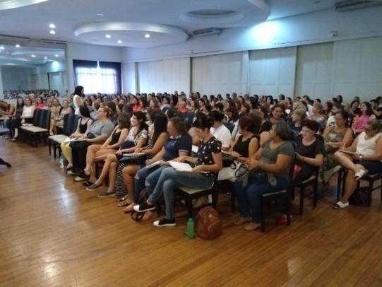 Foto de capa da notícia: Educação: Encontro de formação conta com palestra de Regina Shuddo