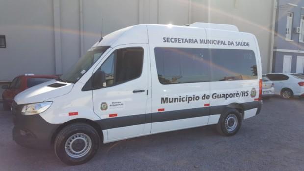 Foto de capa da notícia: Poder Público adquire nova van para transporte de pacientes