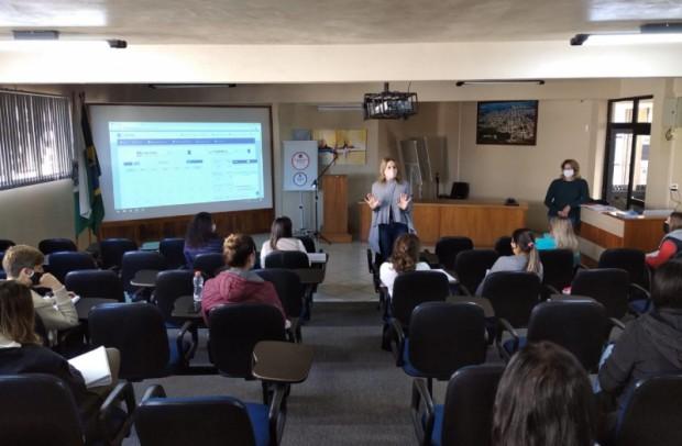Foto de capa da notícia: Aulas remotas da Rede Municipal contarão com plataforma virtual em Guaporé