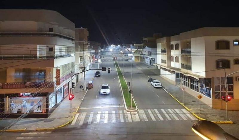 Foto de capa da notícia: Administração Municipal efetua substituição da iluminação pública