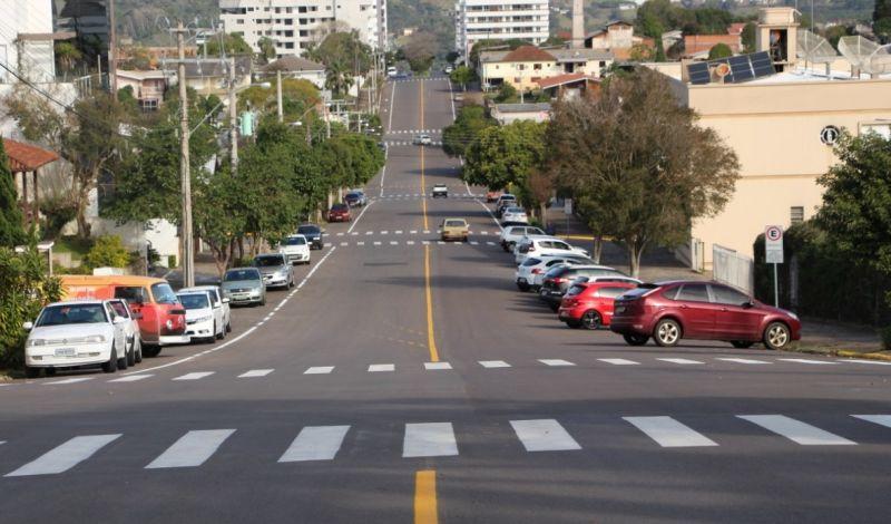 Foto de capa da notícia: Sinalização de trânsito proporciona maior segurança aos condutores em Guaporé