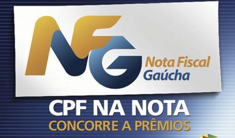 Foto de capa da notícia: Poder Público premia mais três consumidores do Nota Fiscal Gaúcha