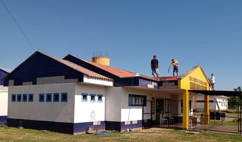 Foto de capa da notícia: Escola Municipal Maria Rosa Ferreira passa por revitalização estrutural