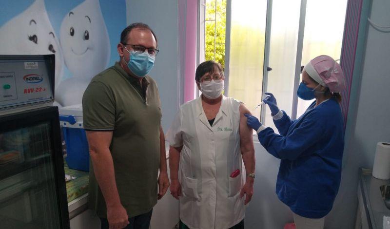 Foto da Notícia Contra a Covid-19: Médica do SUS é a primeira imunizada em Guaporé