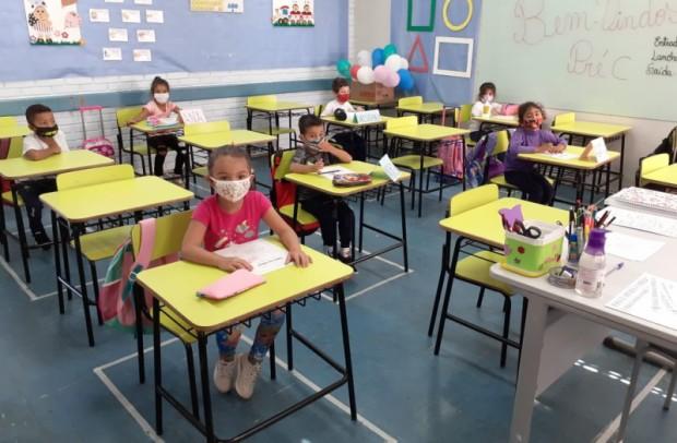 Foto de capa da notícia: Cerca de 3 mil estudantes da Rede Pública Municipal retornam às atividades em Guaporé