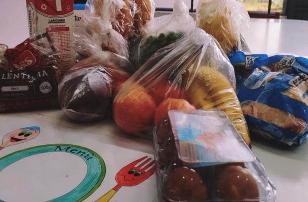 Foto de capa da notícia: Mesmo com retorno das aulas presenciais, 233 Kits de Alimentação serão distribuídos pelo Poder Público de Guaporé
