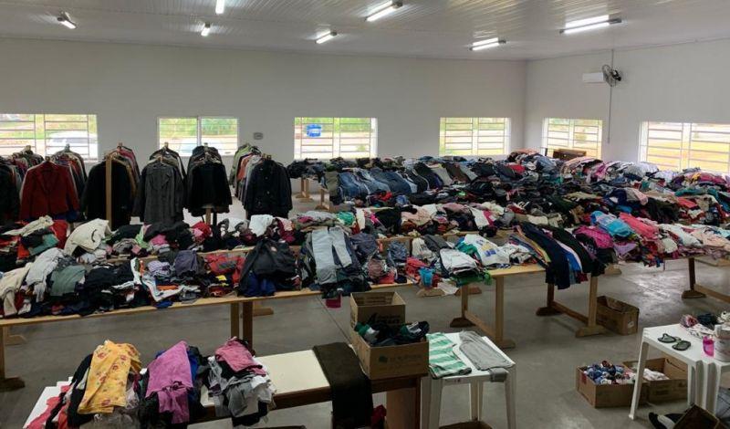 Foto de capa da notícia: Campanha do Agasalho é sucesso em Guaporé e doações começam a ser entregues para as famílias