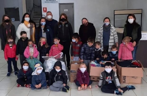 Foto de capa da notícia: Escola de educação infantil Pinguinho de Gente, realiza Projeto Social