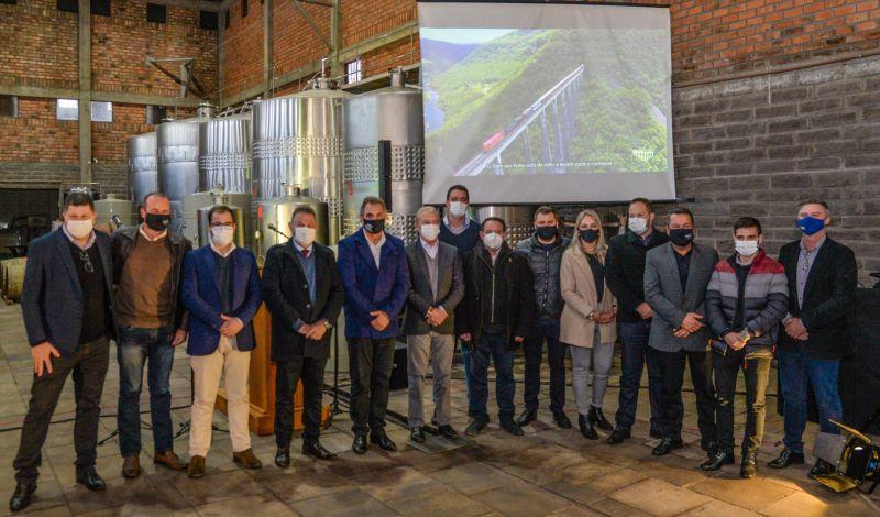 """Foto de capa da notícia: Ferrovia do Trigo: """"Trem dos Vales"""" projeta 52 passeios comemorativos entre Guaporé e Muçum"""