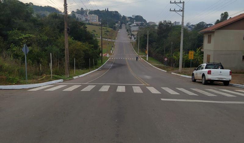 Foto de capa da notícia: Rua Irmão Eduardo passa a ser rota de tráfego preferencial para os condutores de veículos