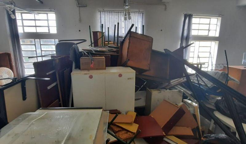 Foto de capa da notícia: Administração Municipal realiza leilão presencial de bens inservíveis