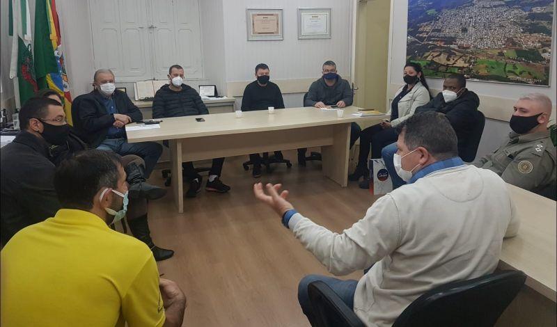 Foto de capa da notícia: Segurança:  Administração Municipal reúne forças da segurança pública e traça estratégia para controlar baderna no Centro