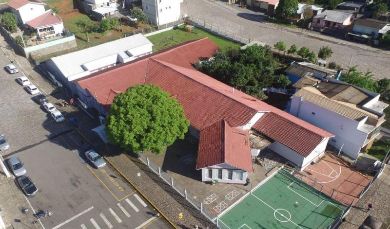 Foto da Notícia Administração Municipal investe na melhoria e segurança estrutural da Escola Dr. Jairo Brum