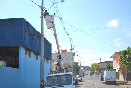 Foto de capa da notícia: Secretaria Municipal de Obras e Viação trabalha na Iluminação Pública
