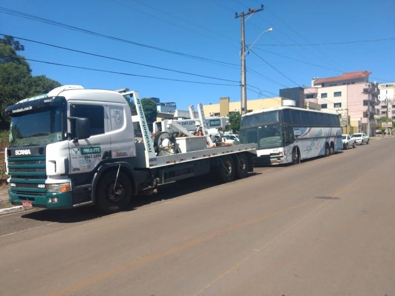 Foto de capa da notícia: Secretaria de Segurança Pública e Trânsito remove veículo abandonado